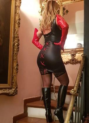 Annunci di mistress a Milano: dove cercarle e come contattarle